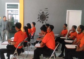 guest lecture every week from starred hotel and related industry